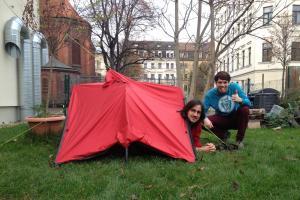 Joyn tent mode front view