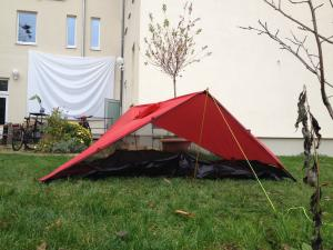 Joyn tent mode using trekking poles side view