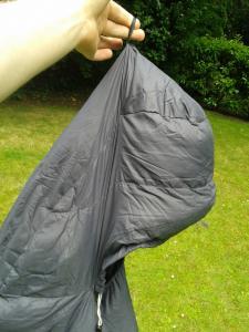 Schlaufe um Schlafsack zum Lüften aufzuhängen