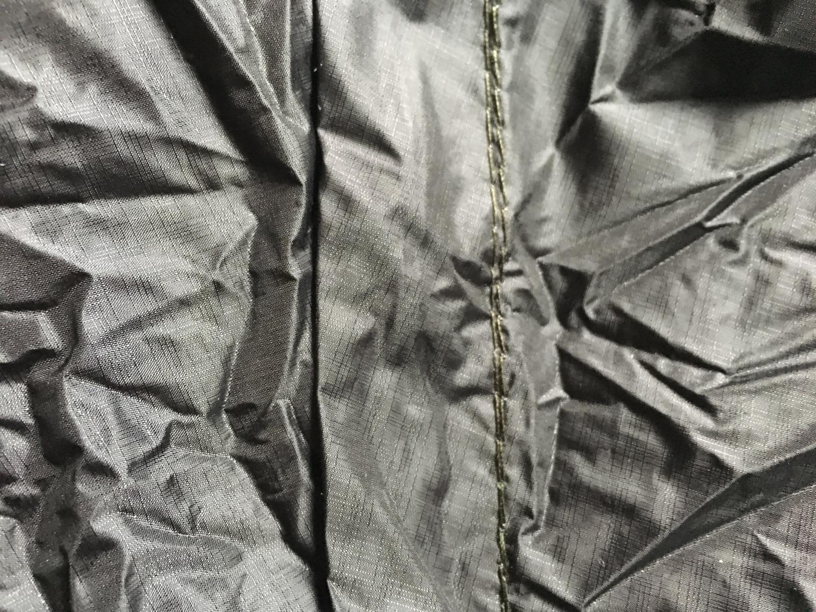 Unibody Black Zip Detail.jpg